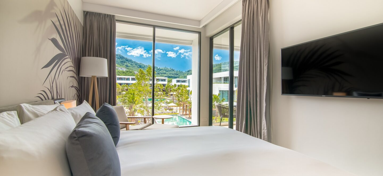 junior-suite-pool-view-stay-resort
