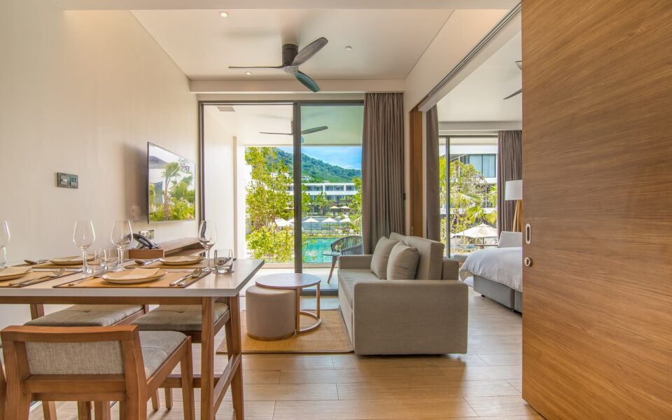 One Bedroom Suite Pool View : STAY-WELLBEING-LIFESTYLE-RESORT_ONE-BEDROOM-SUITE-POOL-VIEW_DINING-AREA_COVER