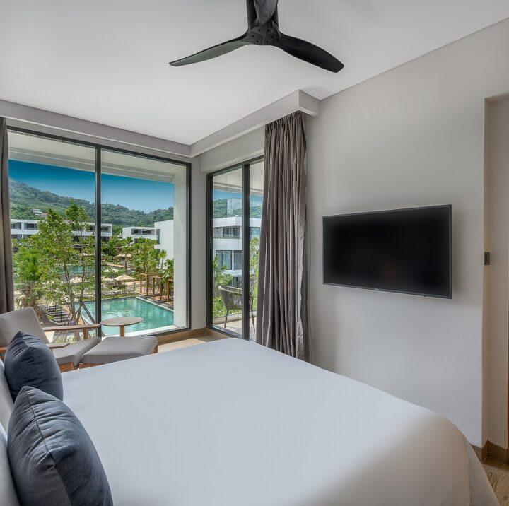 ห้องสวีท 2 ห้องนอน   STAY-WELLBEING-LIFESTYLE-RESORT_TWO-BEDROOM-SUITE-POOL-VIEW_BEDROOM