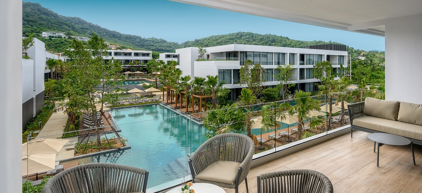 STAY-WELLBEING-LIFESTYLE-RESORT_TWO-BEDROOM-SUITE-POOL-VIEW_TERRACE