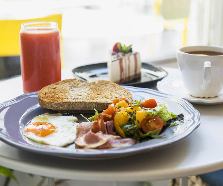 Free Breakfast Offer