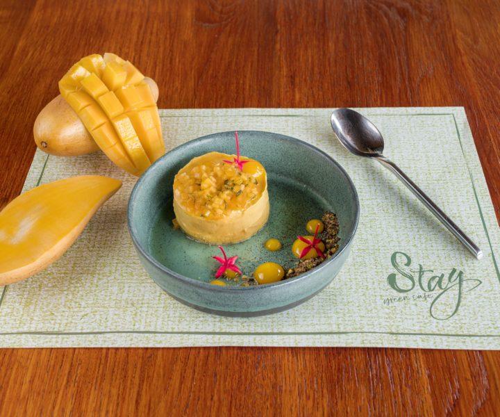 Stay Green Cafe : Mango cheesecake stay green phuket