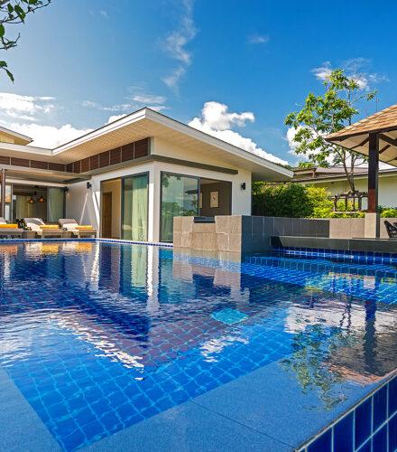 Rooms & Villas : 4 Bedroom Private Pool Villa with Partial Seaview