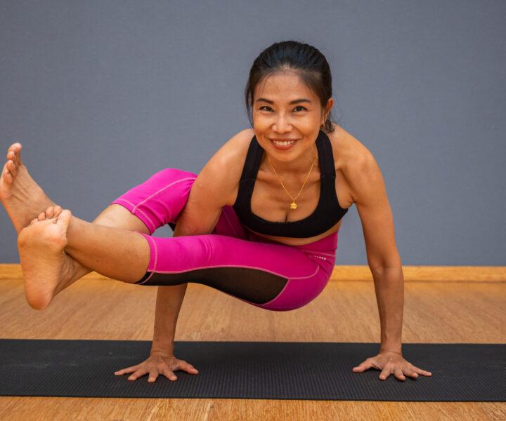 เทรนเนอร์ส่วนบุคคลของภูเก็ต : yoga-coach-stayfit-phuket